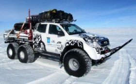 Hilux 6x6 expedition vehicle