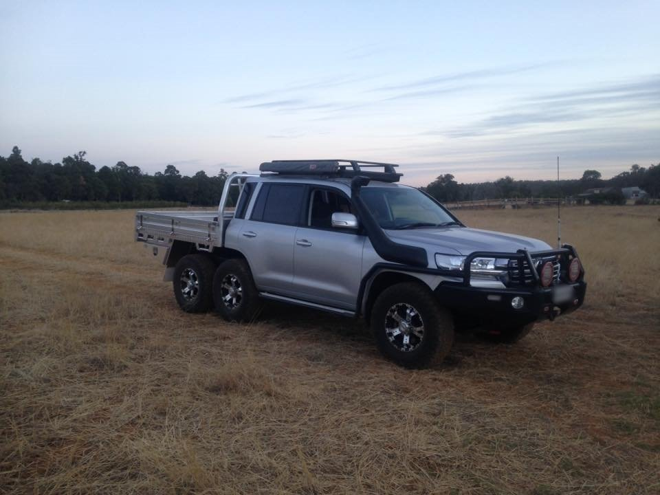 Toyota LC 200 6x6 by Bullant Engineering