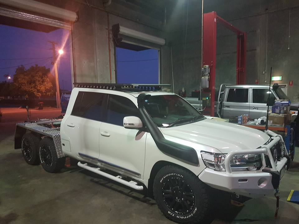 JMACX Toyota Land Cruiser 6x6 | 6 Wheel Drive